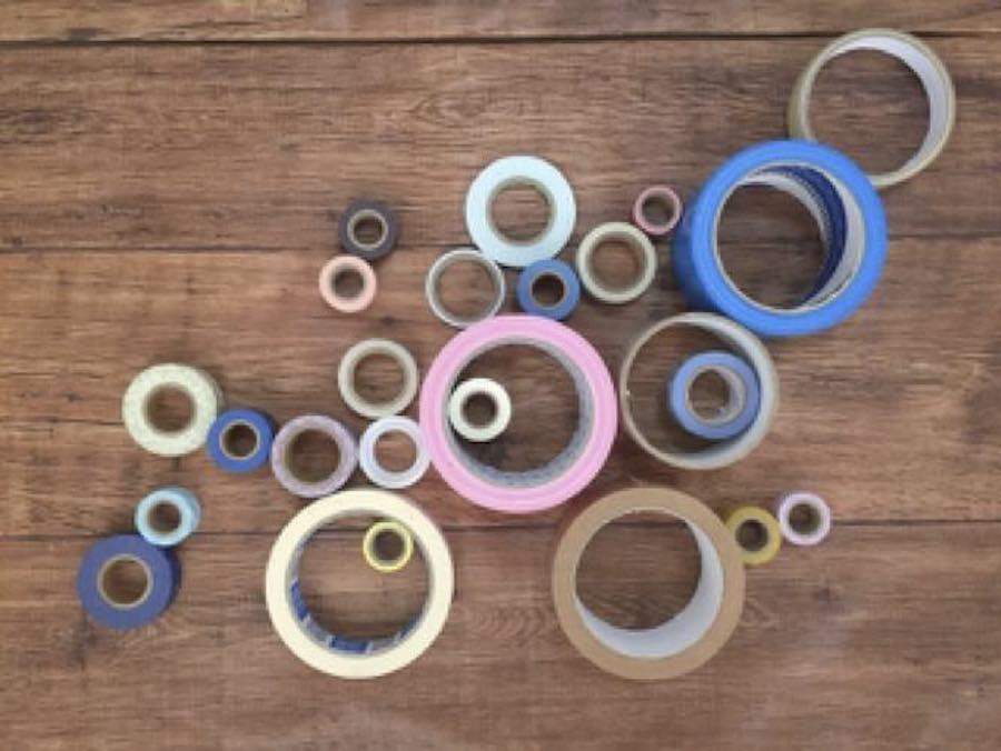 ガラス に 貼っ た ガムテープ の 剥がし 方